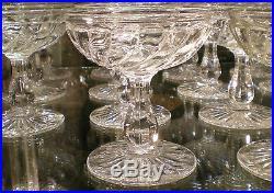 10 coupes à champagne en cristal incolore BACCARAT modèle Bambou tors