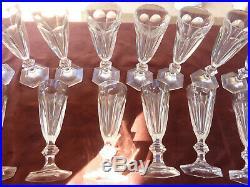 14 flutes à champagne, Baccarat modele Harcourt, H 180mm