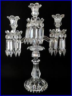 BACCARAT Grande paire de Chandeliers en Cristal à 3 feux et pampilles