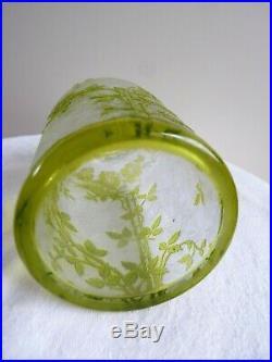 BACCARAT Modèle Eglantier Flacon Cristal doublé vert gravé acide 14,5 cm 1920