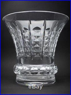 BACCARAT important vase signé en cristal taillé Années 50