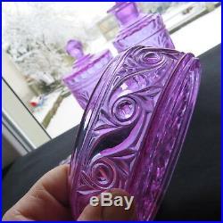 BACCARAT service de toilette boite flacon en cristal signé moulure russe violet