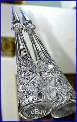 Baccarat. Carafe à vin du Rhin fuselée en cristal clair taillé, modèle Lagny