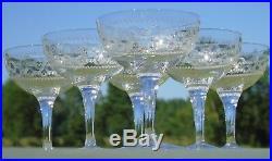 Baccarat Service de 6 coupes à champagne en cristal gravé. Début Xxe s