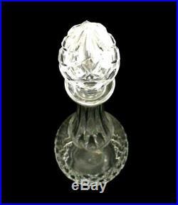 Baccarat modèle Burgos, carafe à décanter et son bouchon, cristal, signée