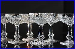 Baccarat, modèle Colbert, 12 coupes à Champagne