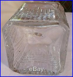 Carafe à alcool/whisky en cristal signée BACCARAT modèle Nancy