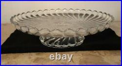 Coupe sur pied centre de table présentoir serviteur en cristal Baccarat signé