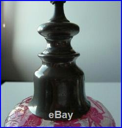 Grand stilligoutte en cristal de BACCARAT églantier rose gravé à l'acide, signé