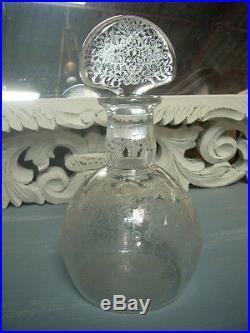 Magnifique Carafe En Cristal Signee Baccarat Entierement Gravee