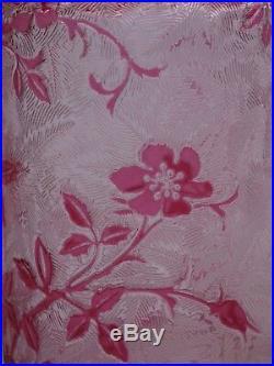 Magnifique flacon en cristal de Baccarat modèle Eglantier rose 14,5 cm