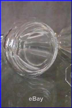 Paire de carafes en cristal signé Baccarat crystal carafe