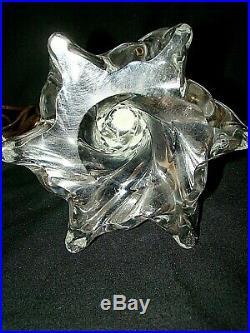 Pied de lampe en cristal moulé de Baccarat époque années 60/70