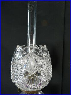 Rare paire de lampes à pétrole et leur tulipe en cristal de baccarat XIXéme