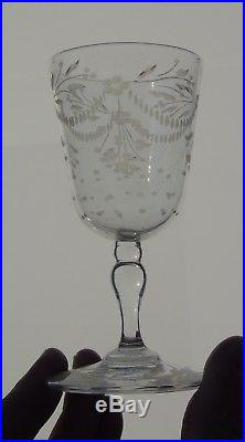Saint Louis ou Baccarat Service de 6 verres à apéritif en cristal. Début XIXe s