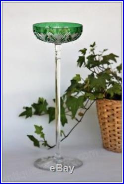 Très rare coupe à champagne en cristal de Baccarat modèle Tsar 30 cm verte (B)
